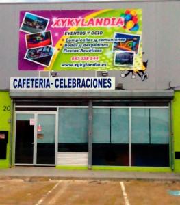 Sal n celebraciones xykylandia for Acuario salon de celebraciones